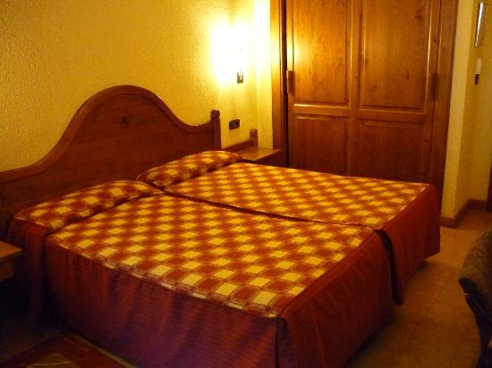 Hotel Sant Gothard: Cama