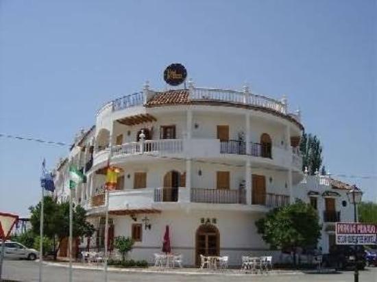 Hotel Maria Luisa: Exterior