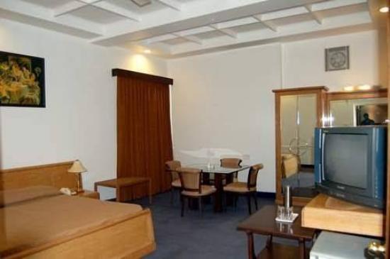 Hotel la Cascade: Guest Room