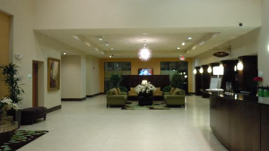 Holiday Inn Montgomery Airport South: The lobby is modern and airy.