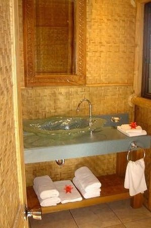 Magic Reef Bungalows: Bathroom Facilities