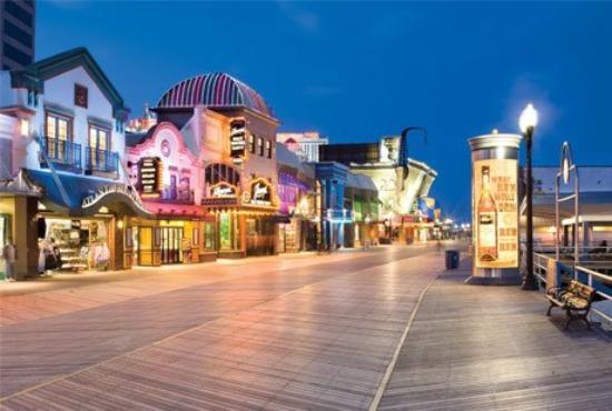 Atlantic Palace Suites: Atlantic City Boardwalk