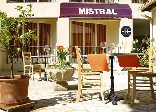 Mistral: Exterior view