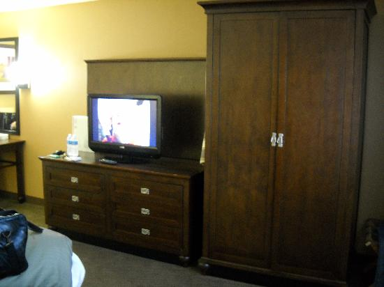 Embassy Suites by Hilton Milpitas Silicon Valley: Bedroom