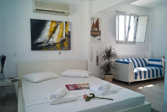 The Museum Spa Wellness Santorini Hotel: Suite