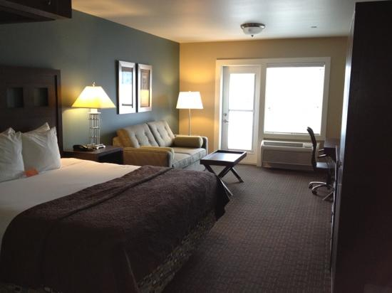 Oxford Suites Silverdale: room 325