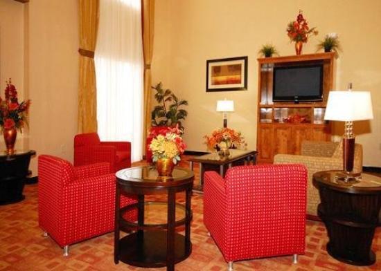 Comfort Suites Clayton: Lobby