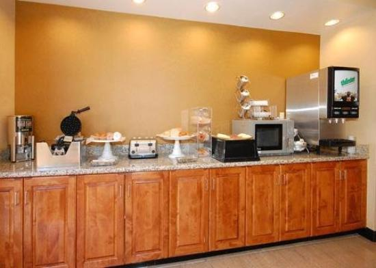 Comfort Suites Clayton: Restaurant
