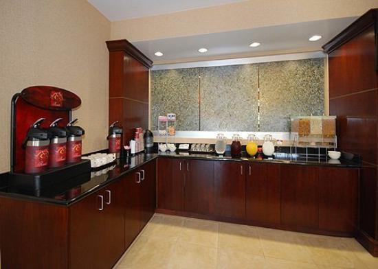 Comfort Suites Olive Branch: Restaurant