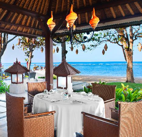 The Laguna, a Luxury Collection Resort & Spa: Arwana Restaurant