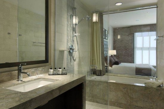 Fairmont Heritage Place, Ghirardelli Square: Bathroom