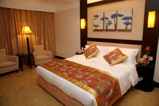 Guohong Hotel: -Guest Room