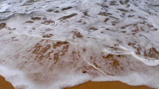 Hale 'Nalo Beach Rentals: Ocean Froth