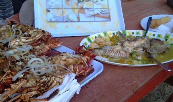 Hellshire Beach: The Food!!!