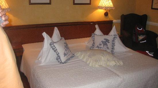 Marghera Hotel: Cute but more importantly, comfortable bed