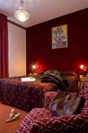Grand Hôtel Raymond IV  : Guest Room