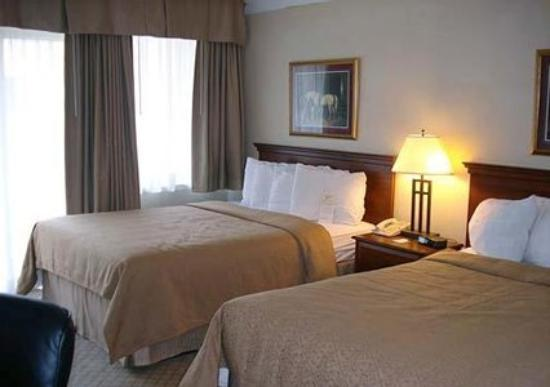 Brantford Hotel & Suites : Guest Room -OpenTravel Alliance - Guest Room-
