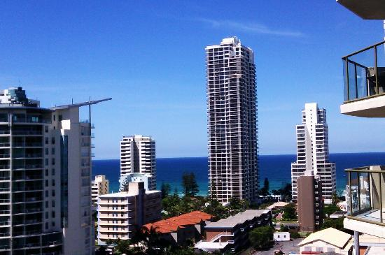 Surfers Hawaiian Apartments: oce3an view