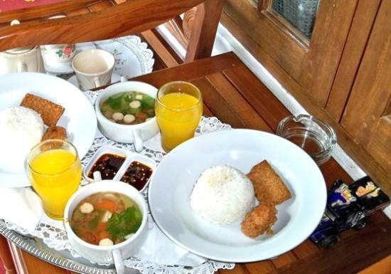Sleman, Indonesië: First day Breakfast