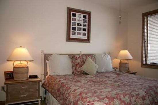 The Seasons Lodge at Arrowhead : Guest Room