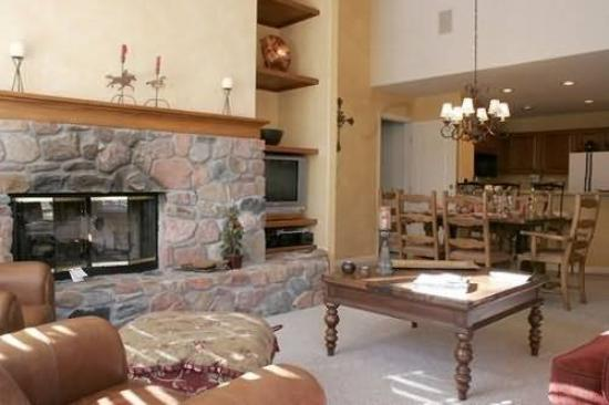 The Seasons Lodge at Arrowhead : Other
