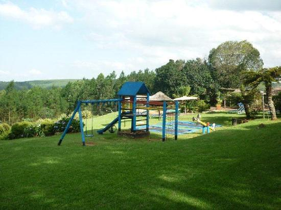 Qunu Falls Lodge: Playground
