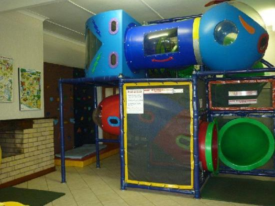 Qunu Falls Lodge: Playroom