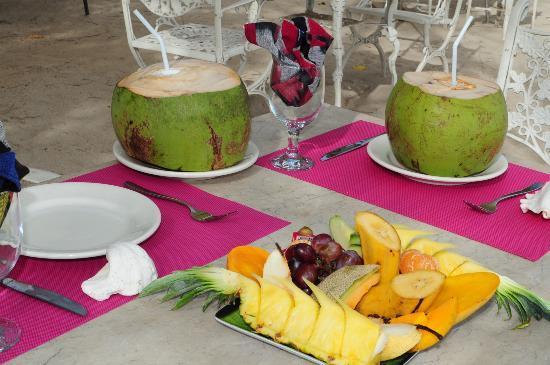 Mangenguey Island: Breakfast