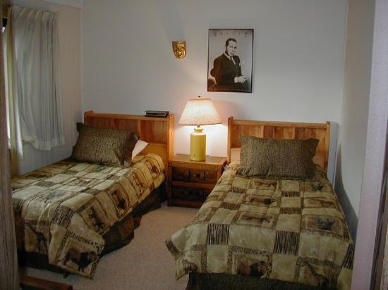 Ski & Racquet Club Condominiums: Bedroom
