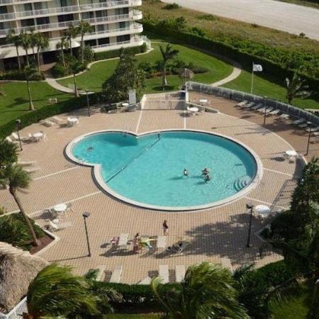 South Seas Towers Condominiums: Pool