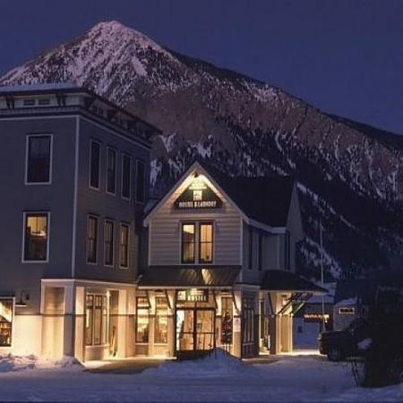Crested butte international lodge hostel co updated for Cabins near crested butte co