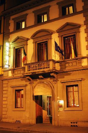 Rayan Hotel: Esterno