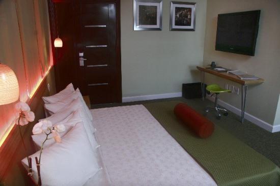 Found Places Clifton Hotel South Beach: Lg Clifton Interior