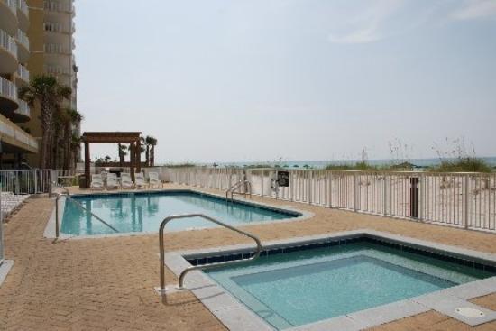 Ocean Villa Condos: Pool