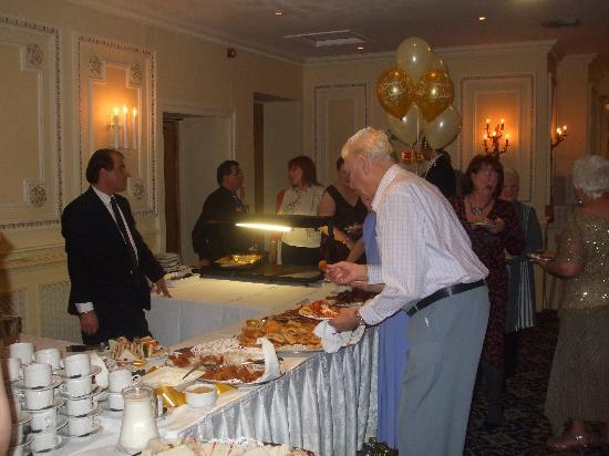 Bothwell Bridge Hotel: The Buffet.