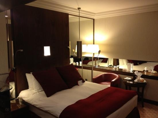 Crowne Plaza Riyadh Minhal: bedroom pic 1