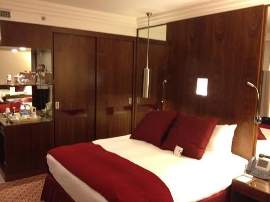 Crowne Plaza Riyadh Minhal: bedroom pic 3