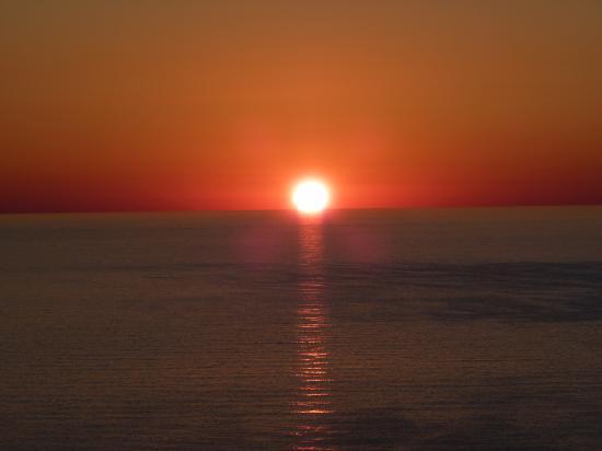 Résidence Monte Marina : lever soleil vue de l'appart