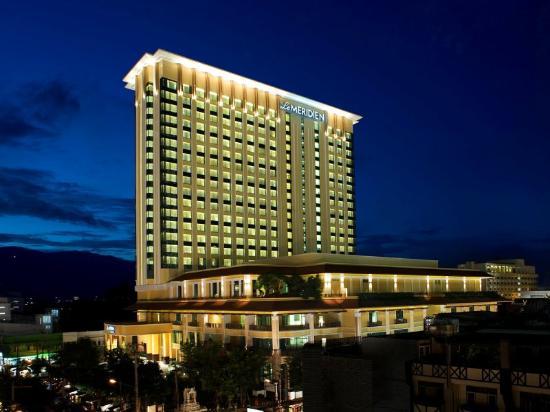 Shekou Haitao Hotel: EXTERIOR-NIGHT BAZAAR