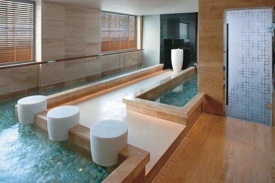 Mandarin Oriental, Hong Kong: Spa Kneipp Pool