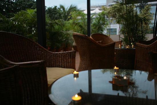 juSTa Off MG Road, Bangalore: Lounging