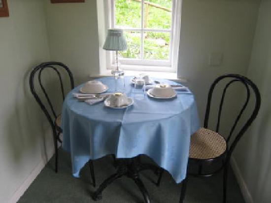 Bluebell House: Garden Room breakfast table