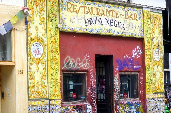 Pata Negra : Writing on the walls inside too!