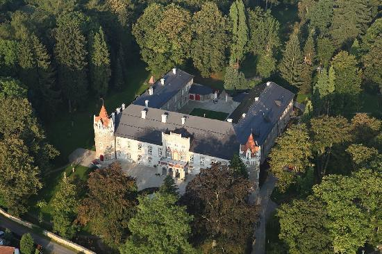 Chateau Heralec - Boutique Hotel & Spa by L'OCCITANE : Bird view