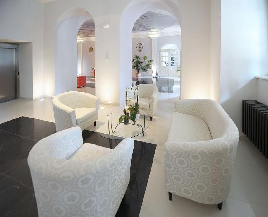 Chateau Heralec - Boutique Hotel & Spa by L'OCCITANE: Lobby