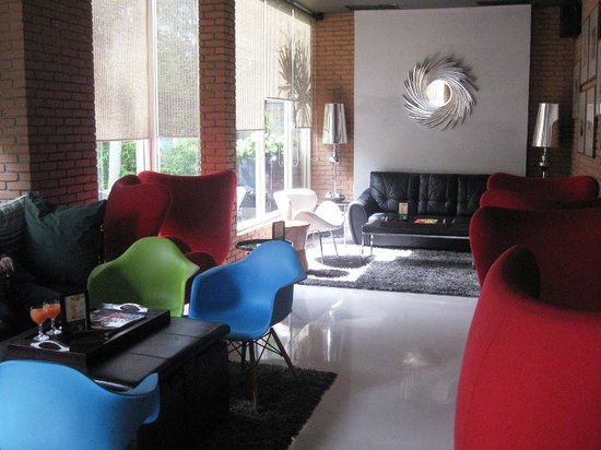 Holiday Inn Bandung: Cozy Lounge