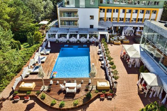 Hotel Bryza Resort & SPA: Dziedziniec