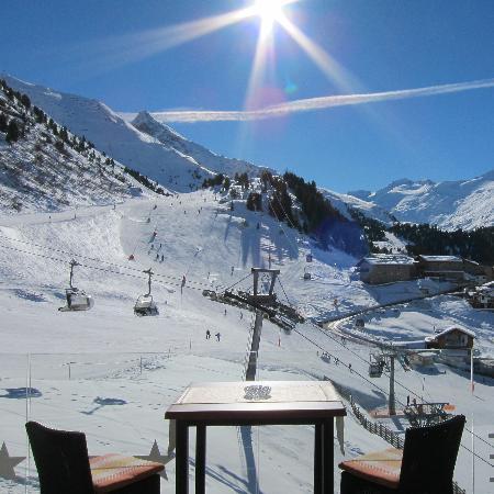Hotel Gotthard-Zeit: Sonnenterrasse des Hotels