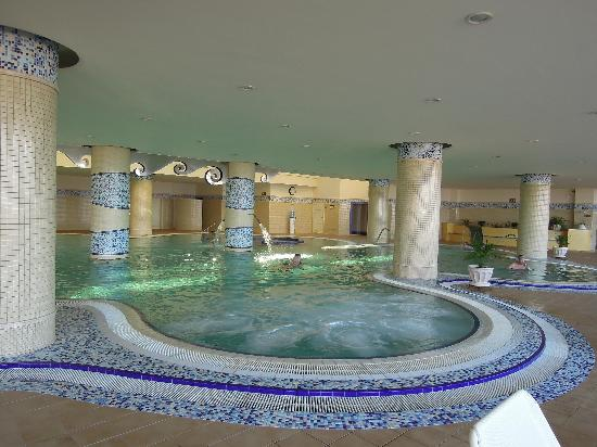 Gran Hotel Atlantis Bahia Real : Piscine Spa