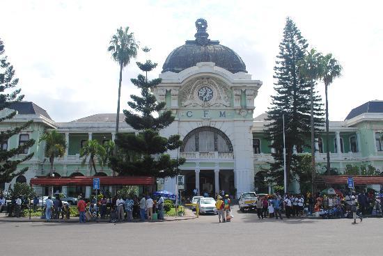 Maputo Central Train Station : Maputo Train Station